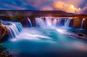 Исландия, водопад Годафосс