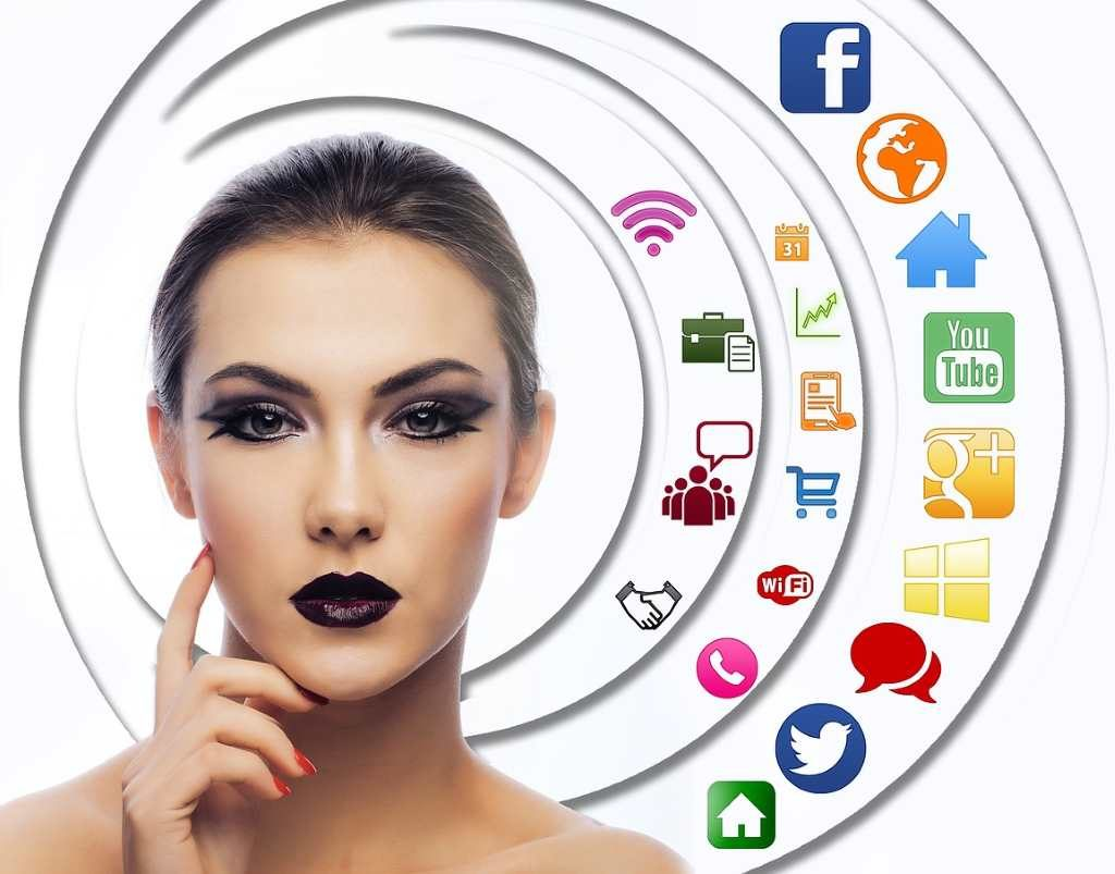 Цукерберг планирует объединить WhatsApp, Instagram и Facebook Messenger